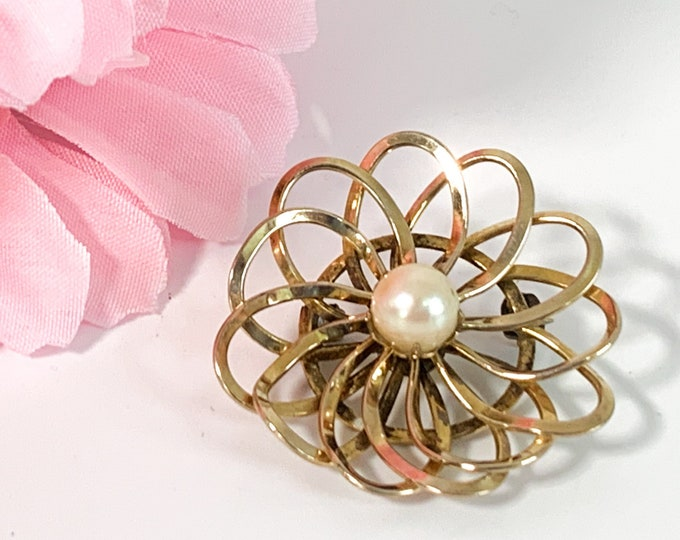 Vintage 12K Gold Filled & Genuine Pearl HG Brooch - Flower Shape Pin - Retro Mid Century Jewelry Ladies Accessory - Gift for Woman Girl