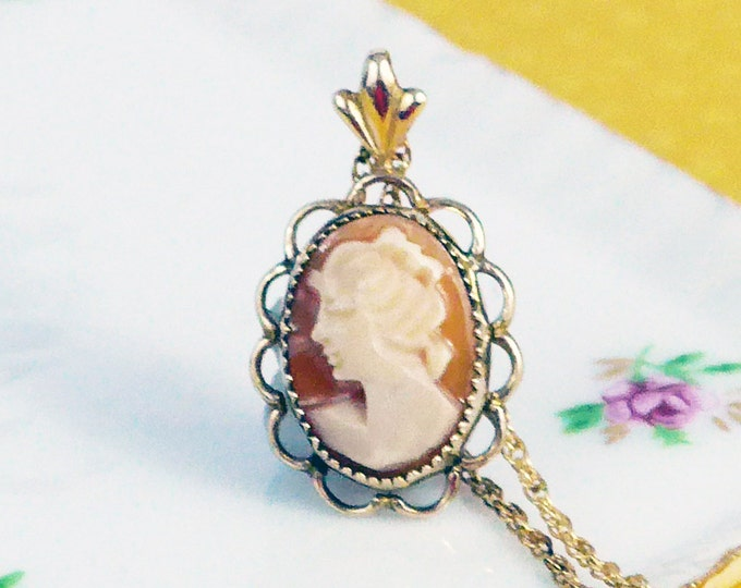 Vintage Cameo Pendant 14k Gold Filled on Chain - Carved Shell Cameo Pendant Necklace Signed TK - Dainty Oval Scalloped w/ Edges 14K GF Chain