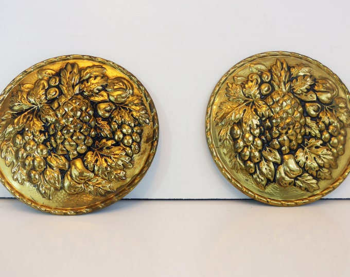 2 Vintage Brass Wall Hangings Pineapple - Pair of Round Matching Wall Hangings Made in England - Kitchen Decor Brass