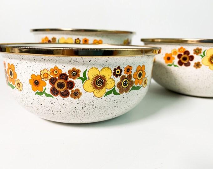 Vintage Set 3 Enamel Bowls Retro Kitchen Tan Brown Yellow Orange Green Flowers Ca 1970s -Three Pc Mixing Nesting Bowl Set - Late Mid Century
