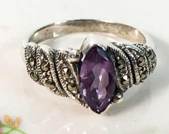 Vintage Sterling Silver Amethyst & Marcasite 925 Sterling Silver Ring - Retro Jewelry Light Purple Precious Stone Gem Statement Hallmarked
