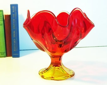 Vintage LE Smith Simplicity Pattern Flame Amberina Red & Yellow Ombre Glass Vase - Art Glass Ruffled / Ruffle Ripple Edges Mid Century Compo