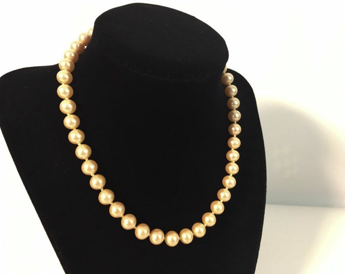 Retro Pearl Necklace w/ Gold Filigree Clasp - Vintage Faux Light Tan Pearl Choker Necklace Single Strand