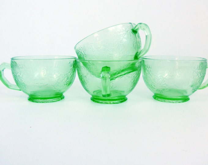 Set of 4 Hazel Atlas Florentine #1 Green Depression Glass - 4 Green Glass Cups From 1930s - Unique Poppy Pattern Retro Tea cups