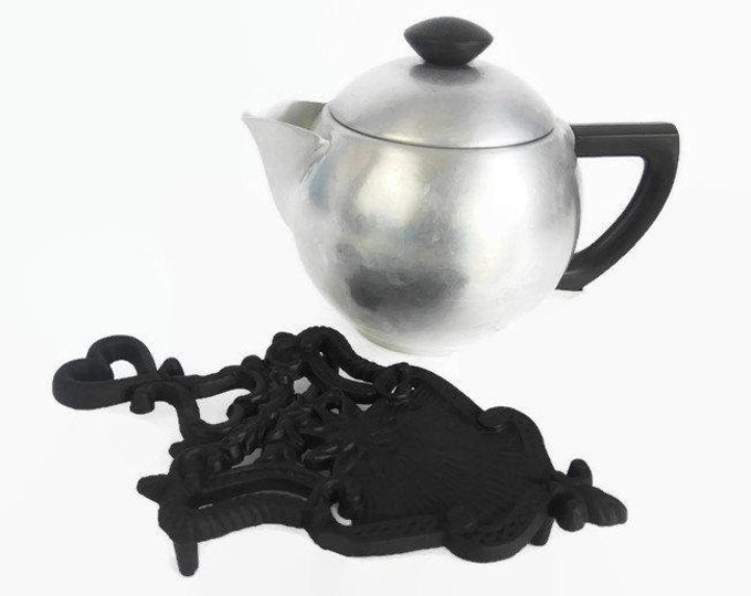Vintage Black Cast Iron Trivet - Sunburst Stamped JZH 1948 - Midcentury Kitchen Trivet - John Zimmerman Harner Stove Trivet