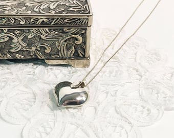 Vintage 925 Sterling Silver Puffy Heart Shaped Pendant / Necklace with 925 Silver Link Chain - 7.8g - Bridesmaids Bride Gift Love Wedding