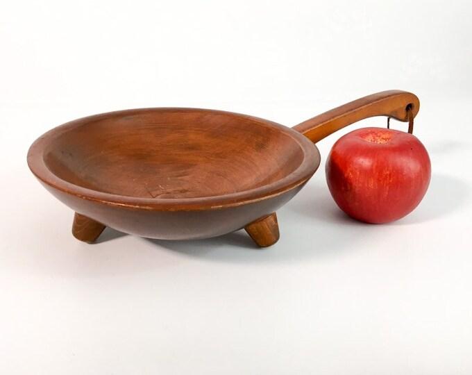 Vintage Munising Wood Bowl w/ Handle - Retro Wooden Serving Kitchen Home Decor -