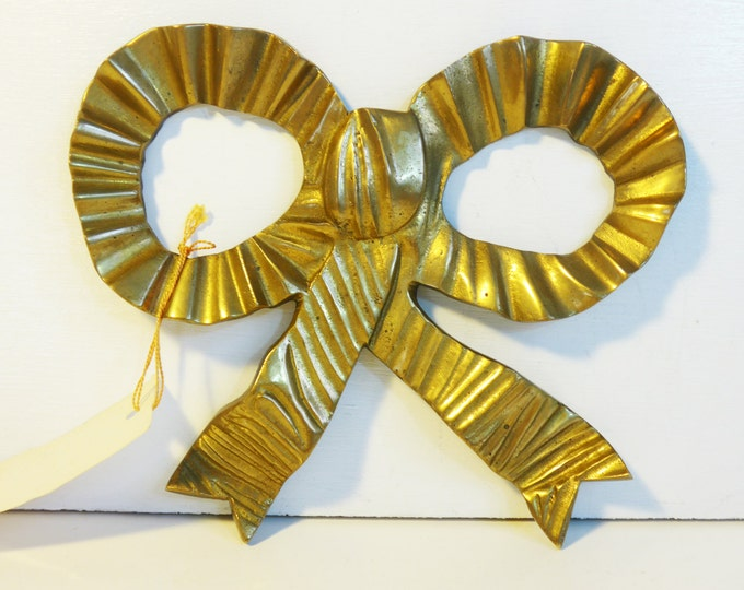 Vintage Brass Bow / Ribbon Wall Hanging - Large Retro Tied Brass Bow Wall Decor - Kitsch Shabby / Cottage Chic - Original Labels Intact