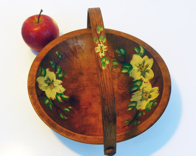 Vintage Wood Fruit Bowl Handpainted w/ Handle - Primitive Centerpiece, Country Chic, Farm or Shabby Chic Decor - Fruit or Vegetable Bowl