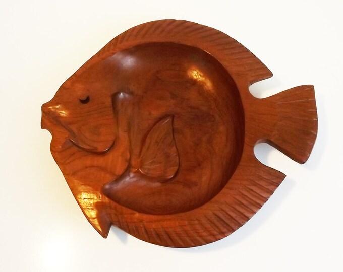 Vintage Large Carved Wood Fish Bowl by Aristacraft