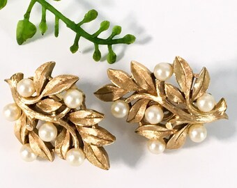 Vintage Trifari Earrings - Gold and Faux Pearl Juliana Style Clip On Earrings by Trifari - Vintage Costume Jewelry