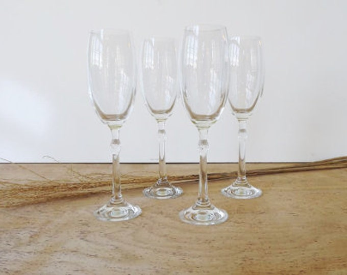 Vintage / Retro Set of 4 Clear Stemmed Champagne Flutes / Cocktail Drinking Glasses -  Midcentury - Cut Glass Stem - Very Fancy
