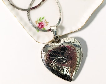 Vintage Silver Etched Heart Locket - LARGE Sterling Pendant Necklace - Retro Jewelry Vintage Photo Locket on Sterling Silver Chain