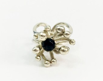 Black Onyx and 925 Sterling Silver Ring Jewelry - Size 6 - Abstract Mod Flower Design Onyx Center Modern Statement Ring - Vintage