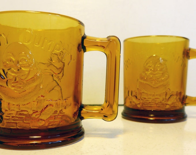 "Vintage TIARA Indiana GLASS Amber Humpty Dumpty & Tom Tom the Piper's Son Mugs -""Little Ones"" Circa 1970 Children Retro Drinking Mugs"