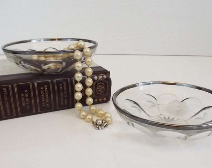 Set of 2 Vintage Trinket Dish / Bowl with Etched Glass and Silver Rim - Jewelry Shabby Chic French Decor - Victorian Regency Decorative Home