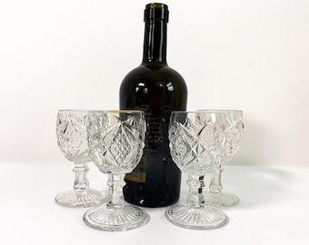 4 Vintage Cordials Diamond Hobnail Wafer on Stem Round Base Design Glasses Barware Four Retro Cocktail Glasses