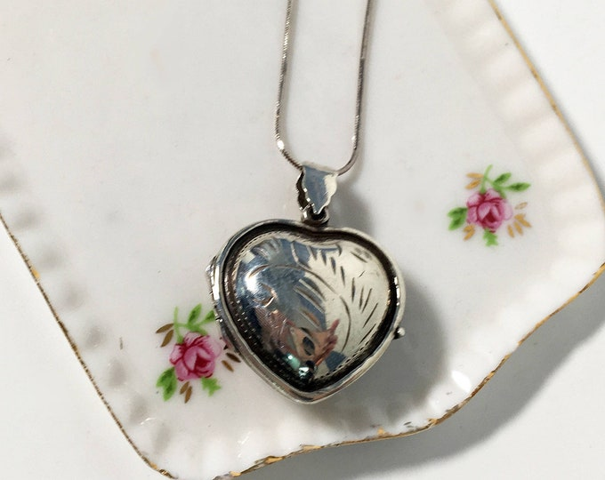 Vintage Sterling Silver Etched Heart Locket Necklace - 925 Puffy Heart Pendant w/ Raised Edges on Sterling Snake Chain - Retro Jewelry