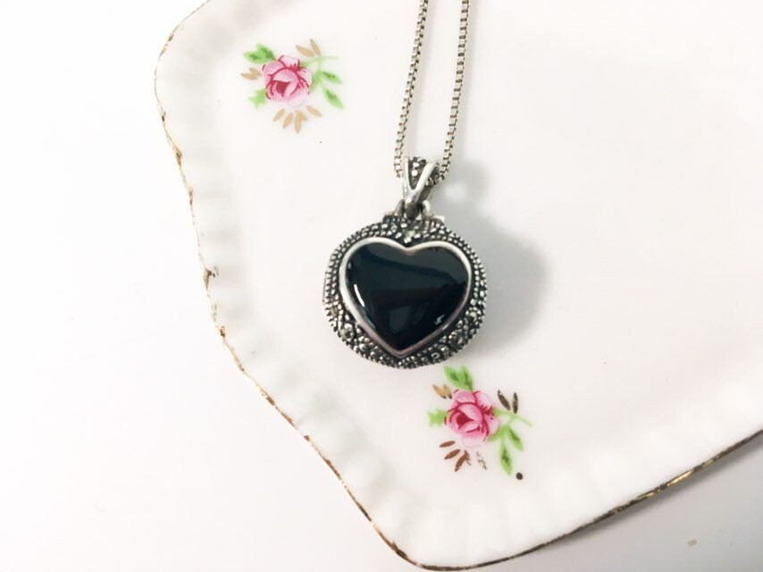 cdd80dfb41ff2 Retro Marcasite Sterling Silver Heart Locket Pendant Necklace 925 ...