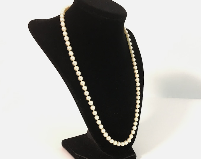 """Vintage Pearl Necklace w/ 14K White Gold Clasp - 21"""" Long Mid century Necklace Off White 6 mm Pearl Matinee Length - Hand Knotted"""