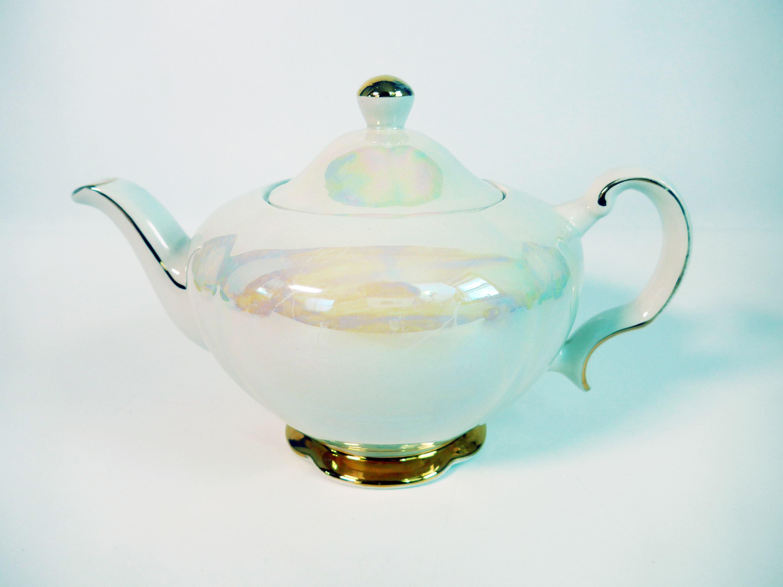 Vintage Ellgreave Ironstone Lusterware Teapot w/ Lid - Cream / White ...