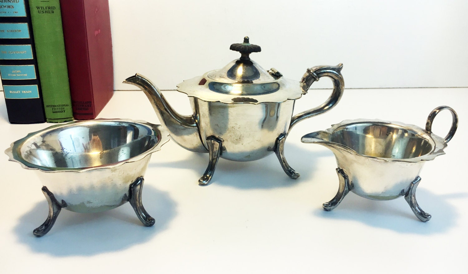 23e85abaef953 ... Silver Plate English Tea Set - Tea pot Creamer Sugar Bowl Scalloped  Edges - Vintage 3 Piece TEA SERVICE Teapot or Coffeepot EPNS. gallery photo  gallery ...
