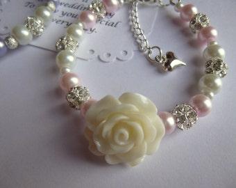 Flower Girl Bracelet, Pearl Flower Girl Bracelet, Flower Girl Gift, Flower Girl Jewelry, Childrens Pearl Bracelet, Childs Pearl Bracelet