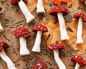 Hand-painted mushroom sculptures - Autumn folk forest forest woods enchanted living fairy tale magical folktale fairy tale