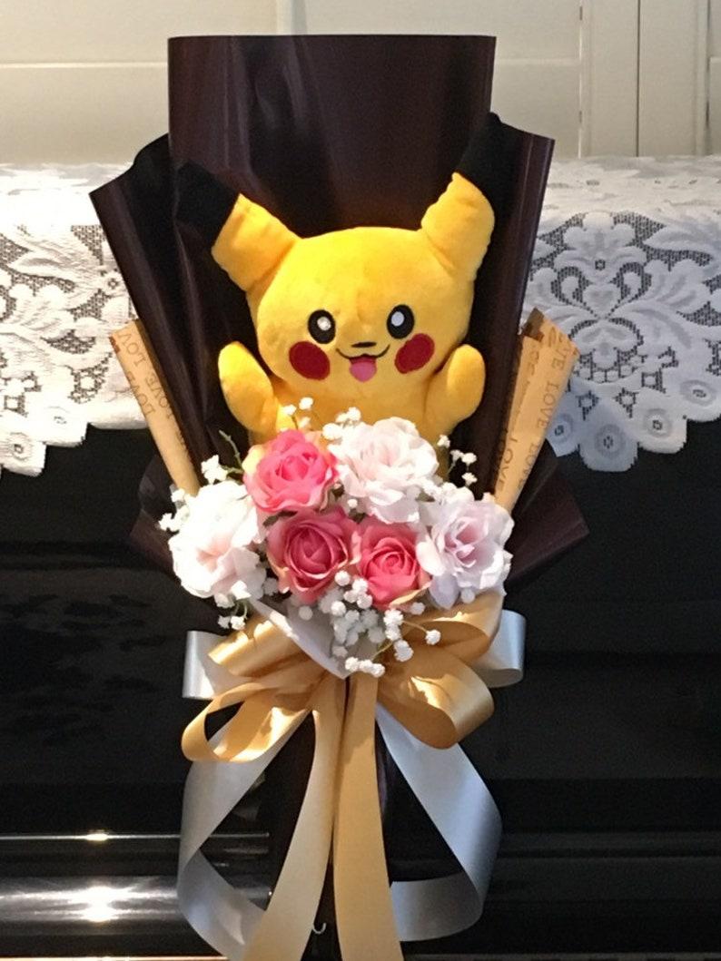 Yellow pikachu. Pikachu flower bouquet