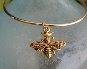 Queen Bee bracelet // Adjustable bangle bracelet // Queen Bee charm