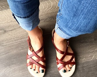 98adc51d47d8 Vintage Bass Sandals   NEW Dead Stock  Brown Leather  Sporty size 9