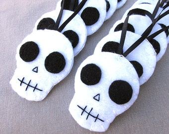10 skull ornaments, halloween skull decorations, skeleton decor, scary holiday tree ornies, black and white halloween, spooky white bones