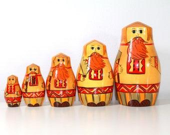 Vintage Nesting Dolls ,5 Nesting Matryoshka Nesting Russian Dolls, Babushka Russian Doll