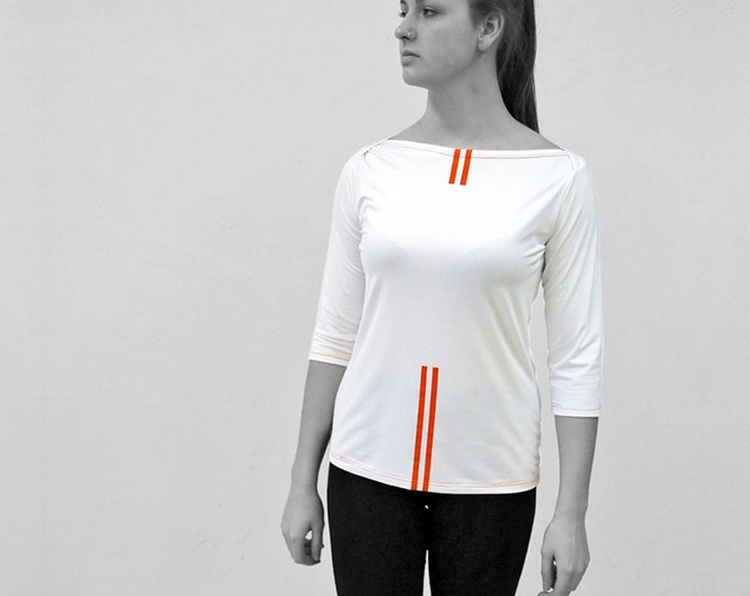 T-SHIRT No. 5, 3/4 Sleeves, U-Boat neck, in different colors, red Stripes, screen print