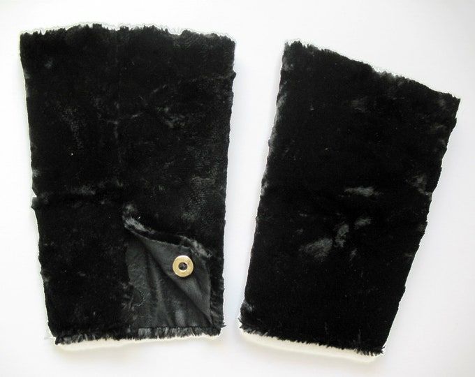 FUR CUFFS Arm Warmers, black or white, Fake, Fur, Art Deco, Edwardian