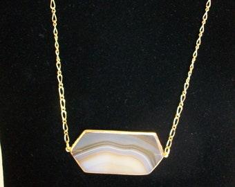 Beige Agate Necklace with Gold Chain