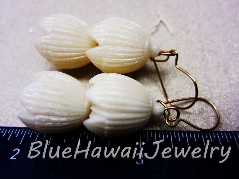 1980/'s Vintage Double  Pikake 1.5 Ivory Carved 3-D Earrings w Kidney Wire Faux Ivory
