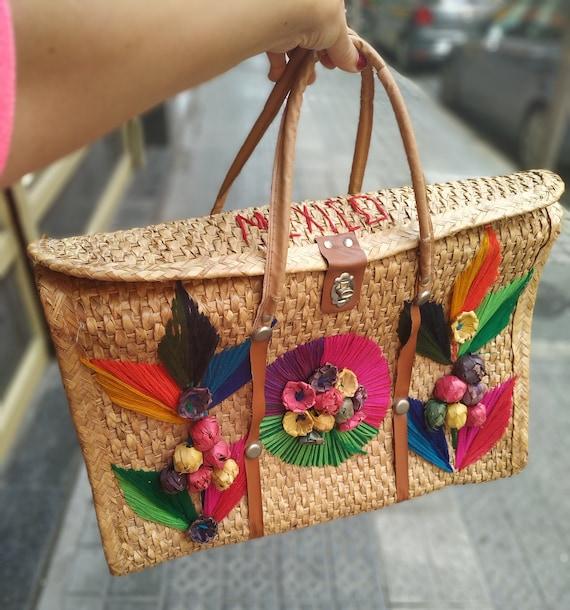 Vintage Mexican woven Straw Beach Bag , Straw Summ