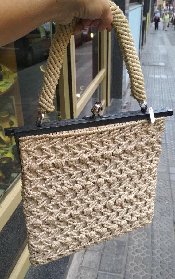 Vintage handbag metal  frame  with handmade croche