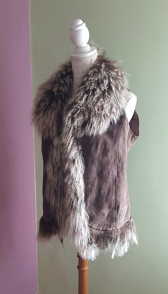 Vintage suede Waistcoat brown with furly neck // U