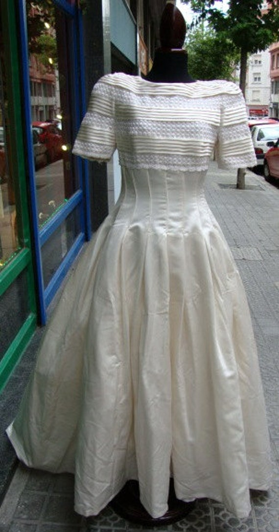 Vintage 1980s Wedding Dress /Satin Wedding Dress /