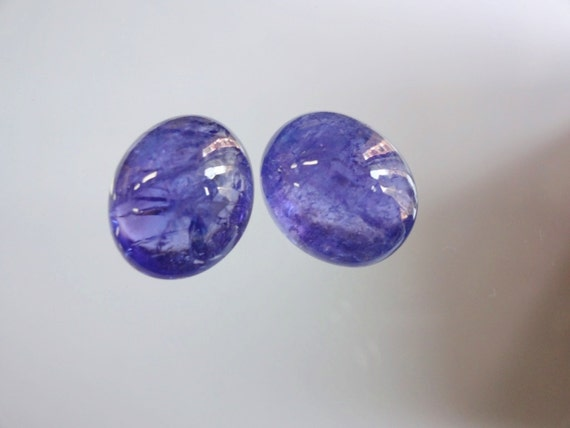 8-inch Natural Tanzanite transparent smooth plain teardrop size 5-8mm 32cts