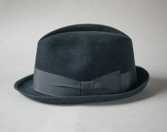 c391abded6046 Black fedora unisex Mayser. Vintage trilby hat for men. Felt wool fedora  1970s. German men fedora retro. Vintage fashion women fedora gift