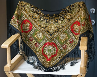 Bohemian Paisley Scarf Shawl Vintage. Gypsy Style Square Wrap. Large Hippy scarf black red forest green baroque. Festival wrap scarf Fringe