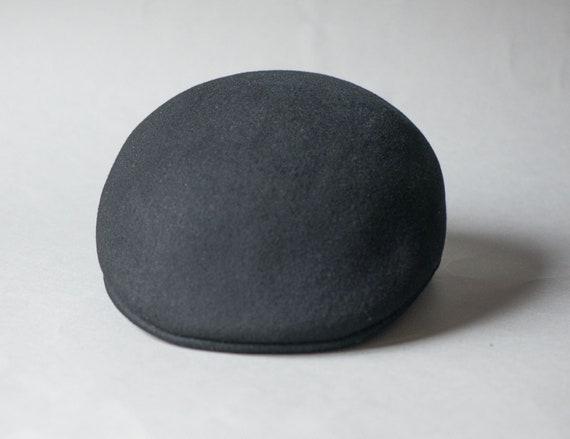 Ascot cap black unisex hat vintage. Felt wool cuffleycap.  5da98a72922f