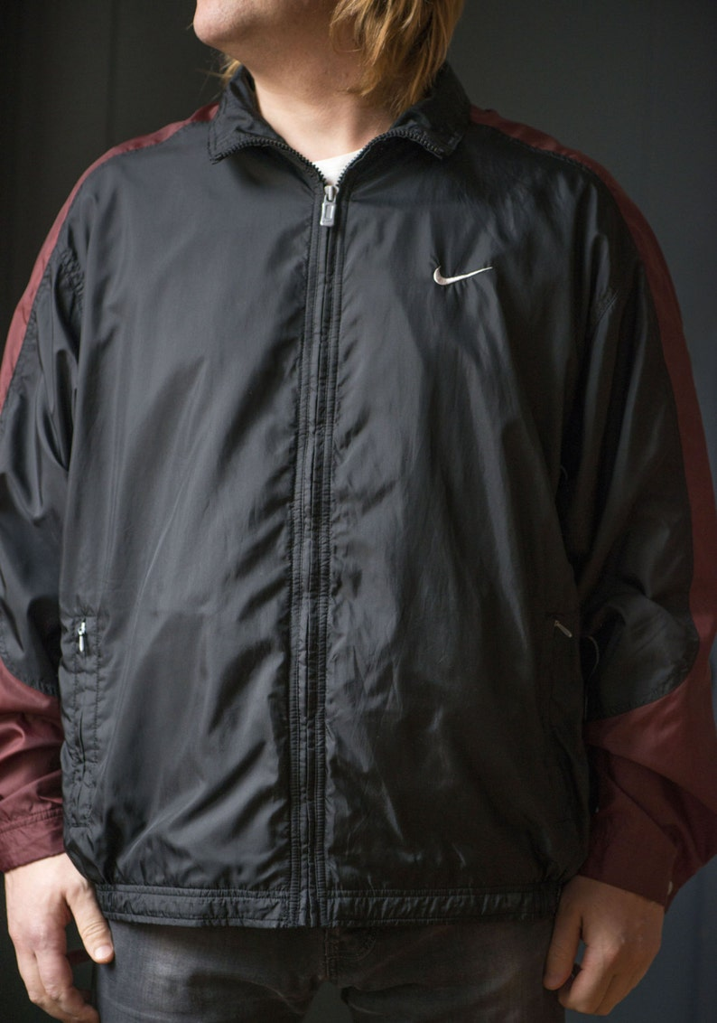 b5c4d8e46d0b Nike Windbreaker for Men Vintage 90s Nike Rain Jacket