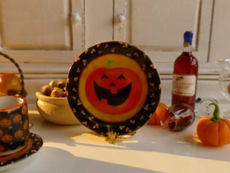 Smiling Pumpkin Dollhouse Plate