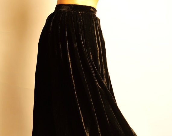 Emanuel Ungaro 1980's black velvet long flared skirt