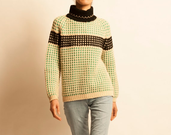 Hand knitting pullover from 1960's