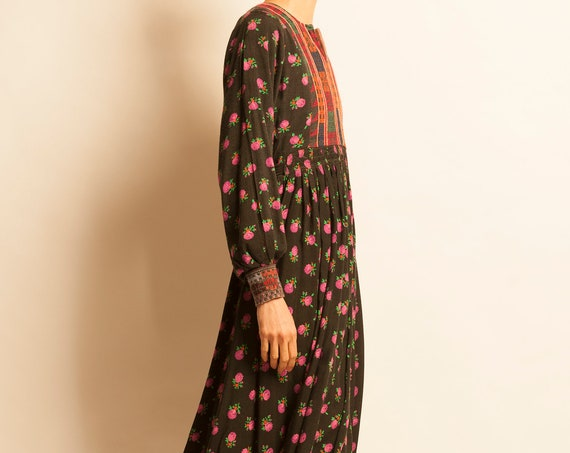 Afghan kaftan from 1970's embroidered
